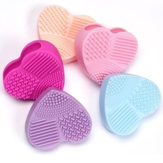 Brush Heart ซิลิโคนล้างแปรงแต่งหน้า รูปหัวใจ สีชมพูเข้ม