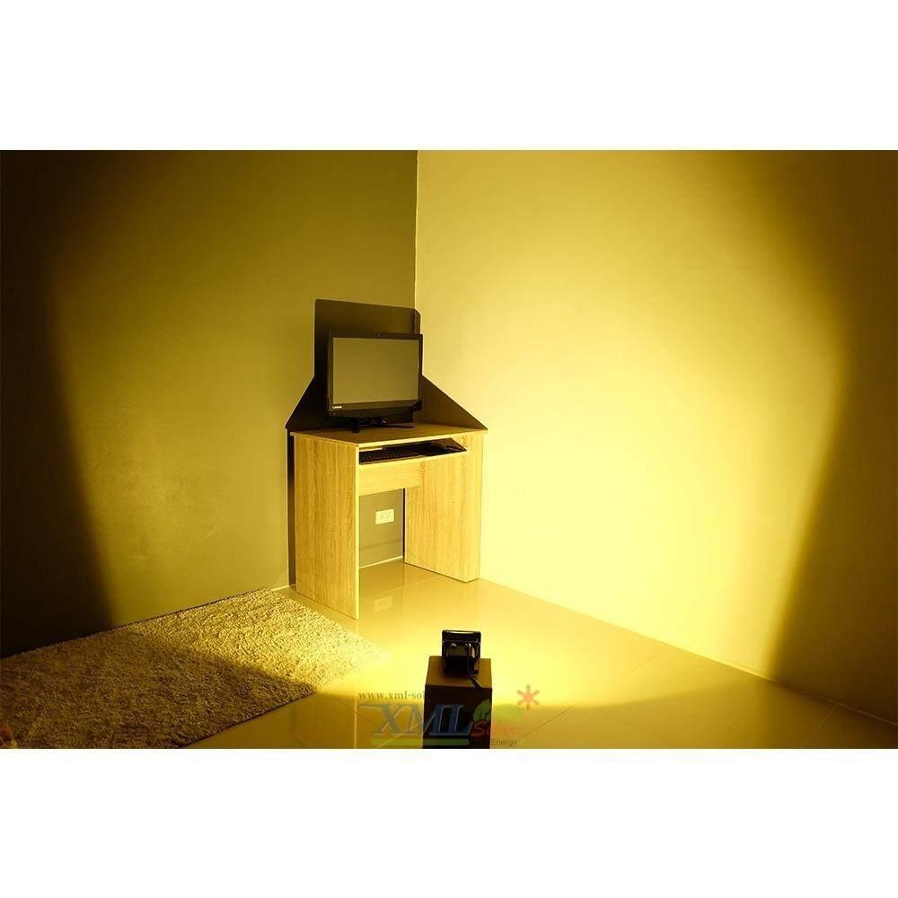 Xml Solar สปอร์ตไลท์โซล่าเซลล์ รุ่น 10 W แสงเหลืองวอมไวท์ ถูก