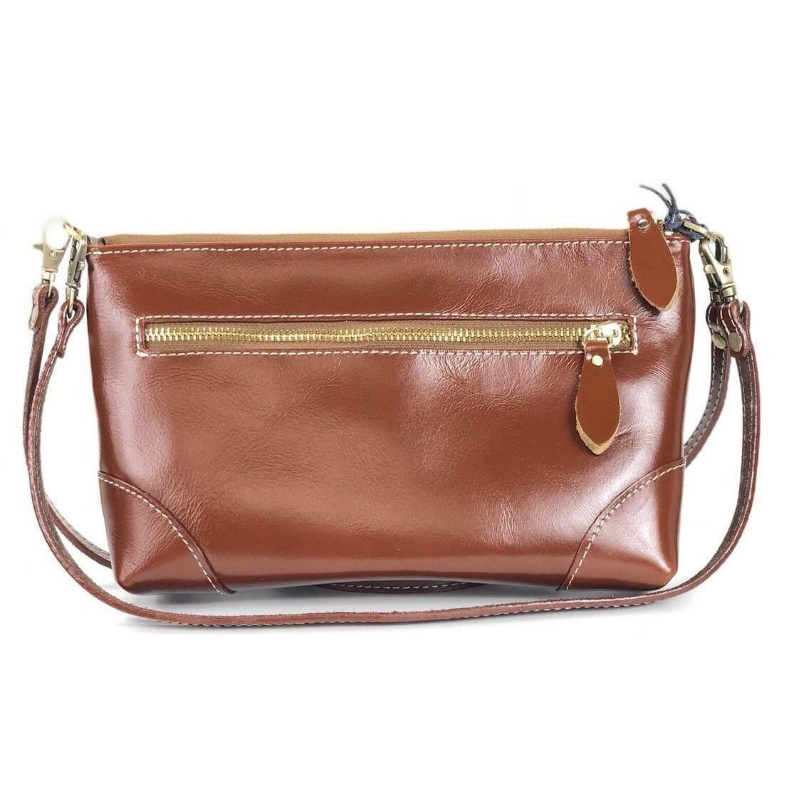 ซื้อ Chinatown Leather กระเป๋าสะพายหนังวัวแท้ซิปยาวสีน้ำตาลแทนขนาด Ipadmini ใน กรุงเทพมหานคร