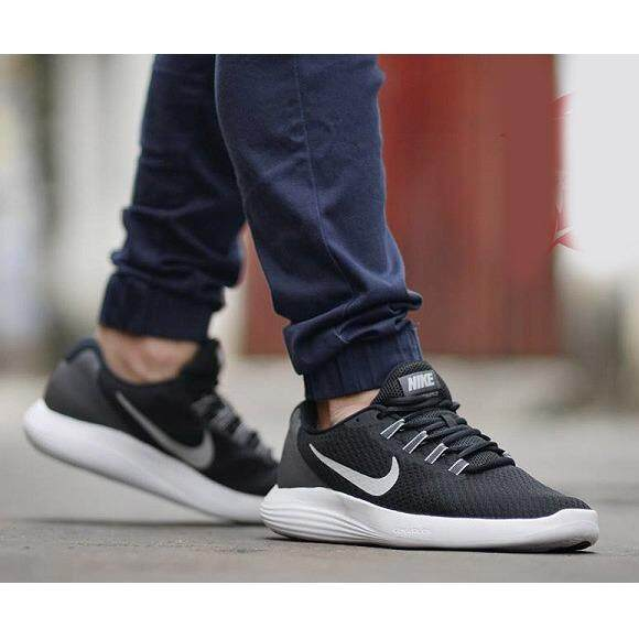 nike roshe run nm sp tech fleece pack ราคารถมือสอง