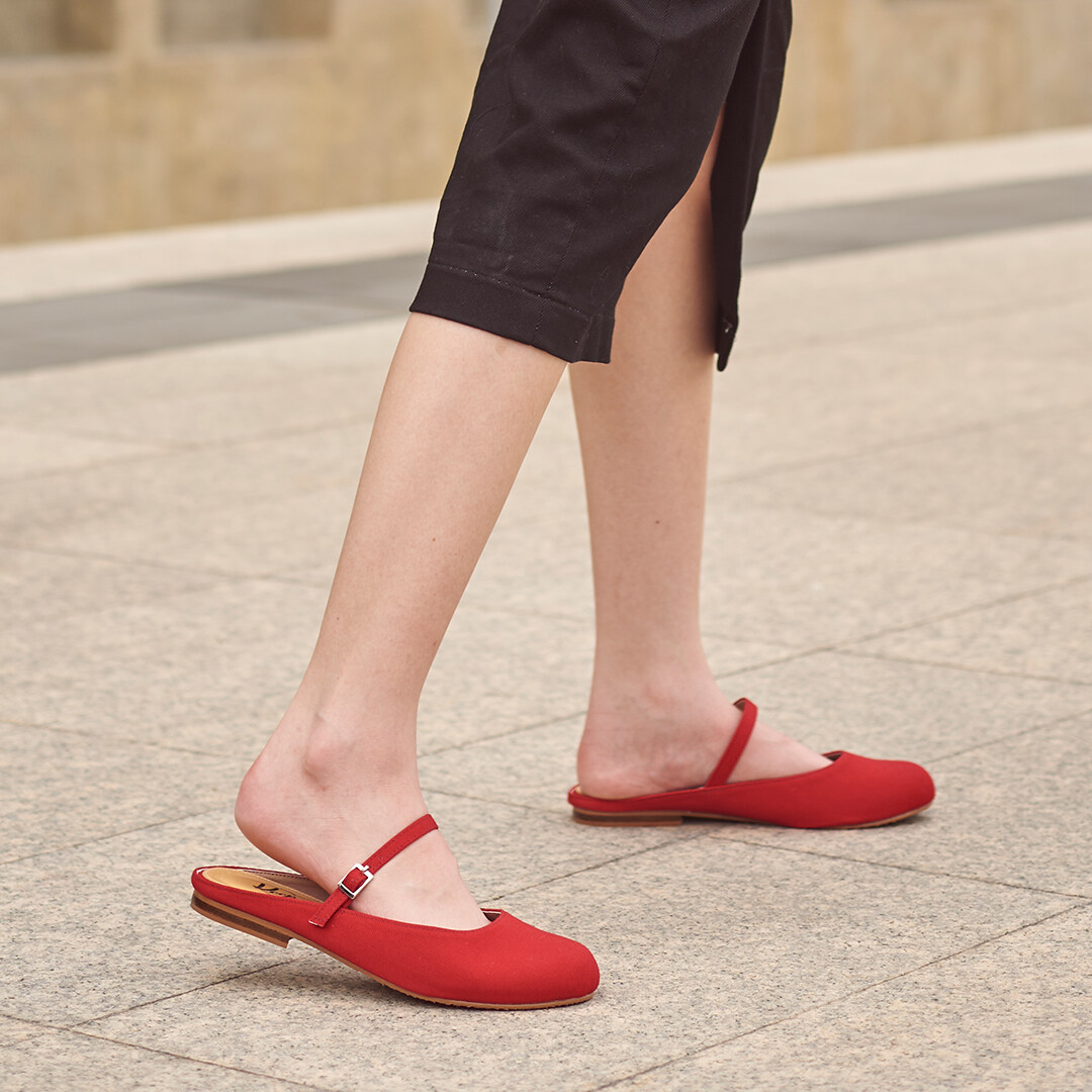 Keep Marymaryjane Red : รองเท้าแมรี่เจนเปิดส้นสีแดง.