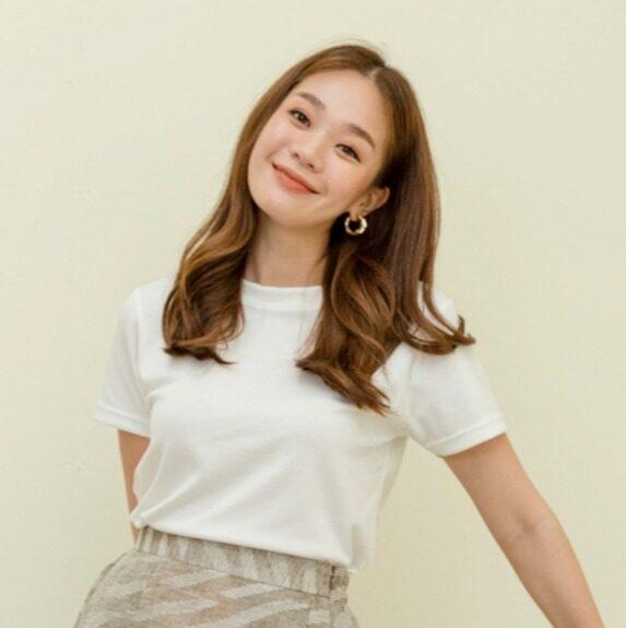 Grapes.official - Autumn Tee White เสื้อยืดผ้าคอตตอน (รุ่นผ้าเรียบ) สีขาว.