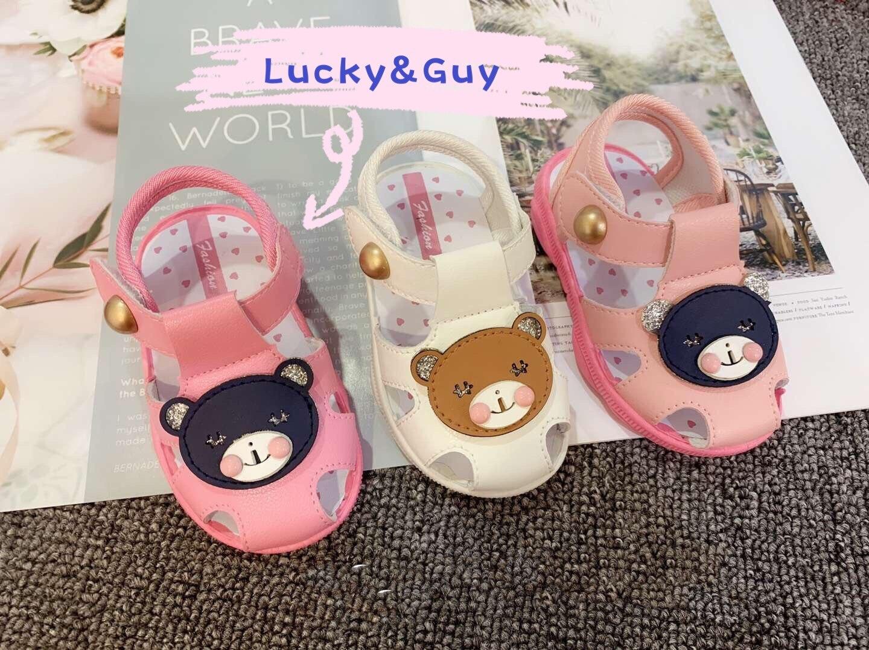 Baby Nong พร้อมส่งจากไทย! ฤดูร้อนรองเท้าเด็กการ์ตูนเวอร์ชั่น เวลาเดินมีเสียง ลายหมี 3สี รองเท้าเด็กด้านล่างนุ่ม รองเท้าเด็กวัยหัดเดิน