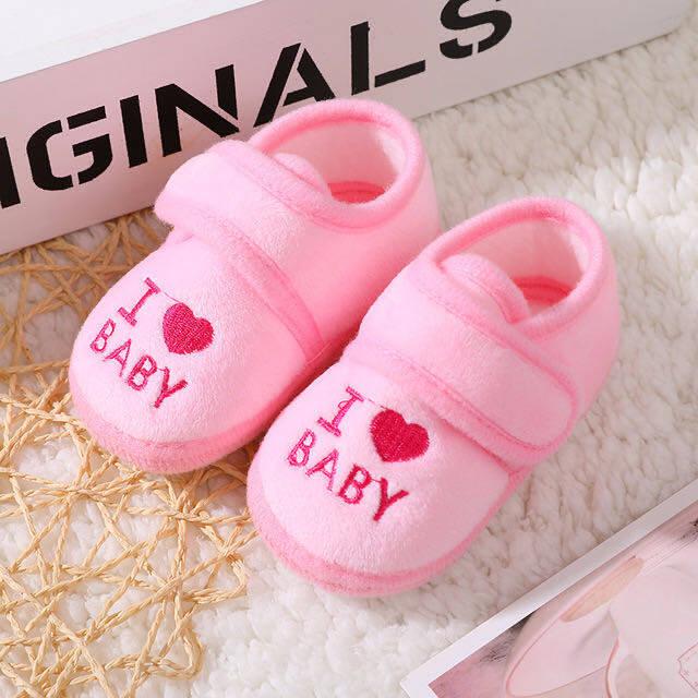 Babyonline(X282)E1รองเท้าขนแกะสำหรับเด็กวัยหัดเดินลายILOVEBABY