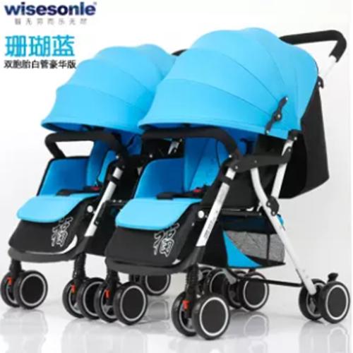 รถเข็นเด็กแฝดสามารถแยกออกได้นั่งนอนและเบารถเข็นเด็กสี่ล้อคู่สองคน.