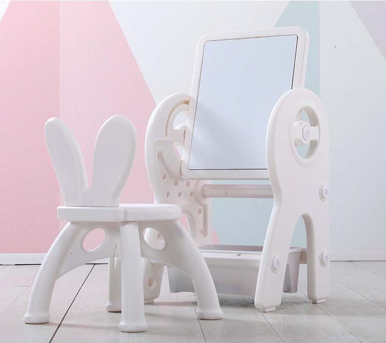 TOY CORNER กระดานวาดภาพเด็ก [ T011 ] กระดานวาดรูป โต๊ะเรียน เพื่อพัฒนาการเรียนรู้ สำหรับเด็ก โต๊ะ เก้าอี้+ตัวต่อ พร้อมอุปกรณ์ ครบชุด ปรับระดับ