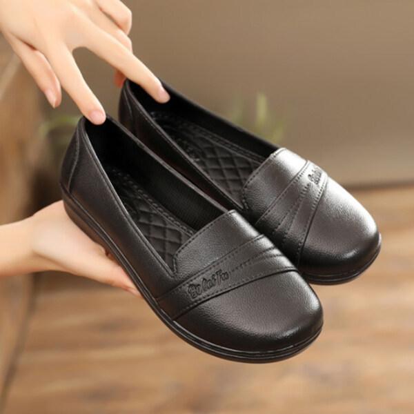 รองเท้าคัชชูหัวมน พื้นลายตาราง สีดำล้วน ยางนิ่ม.