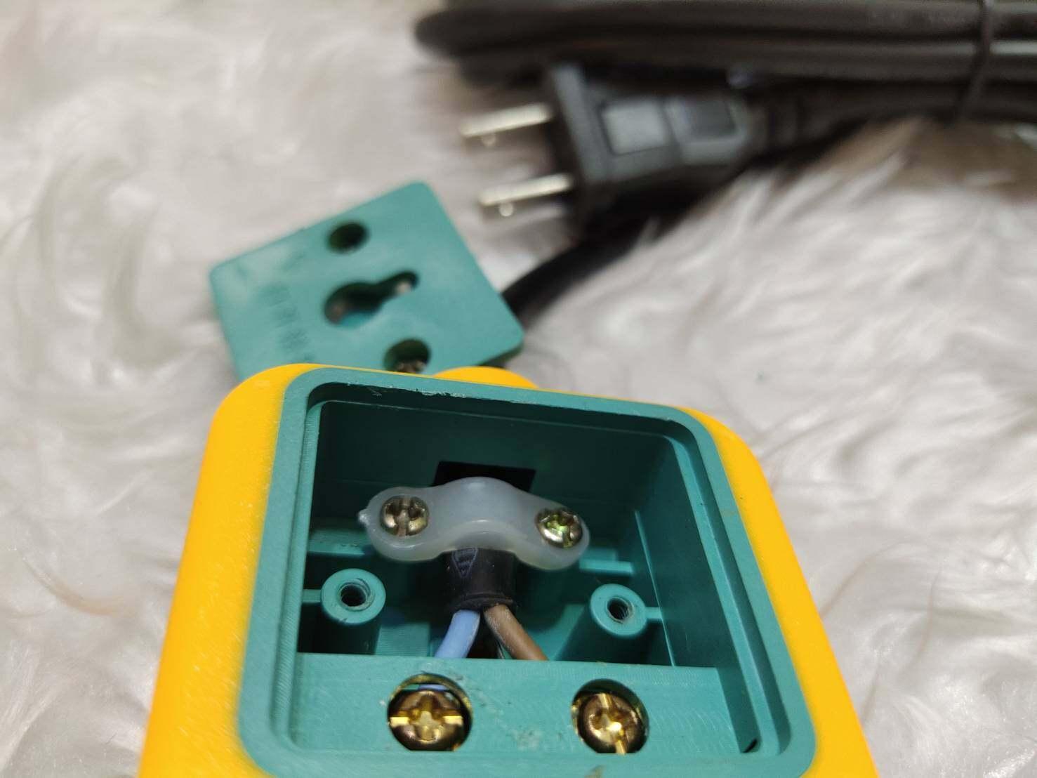 ปลั๊กรางไฟ 5500W 250V 16A มีฟิวซ์ ปลั๊กไฟ 3/4/6 ช่อง ปลั๊กพ่วงยาว 3/5/10 เมตร ปลัีกไฟมีสวิทซ์ ปลั๊กพ่วงมีมอก. รางปลั๊กไฟของแท้ 100% โรงงาน ราคาถูก