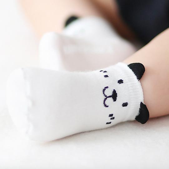 ถุงเท้าเด็ก ลายน่ารัก ถุงเท้าเด็กมีกันลื่น8ลาย สินค้าขายดี(พร้อมส่งจากไทย)W10