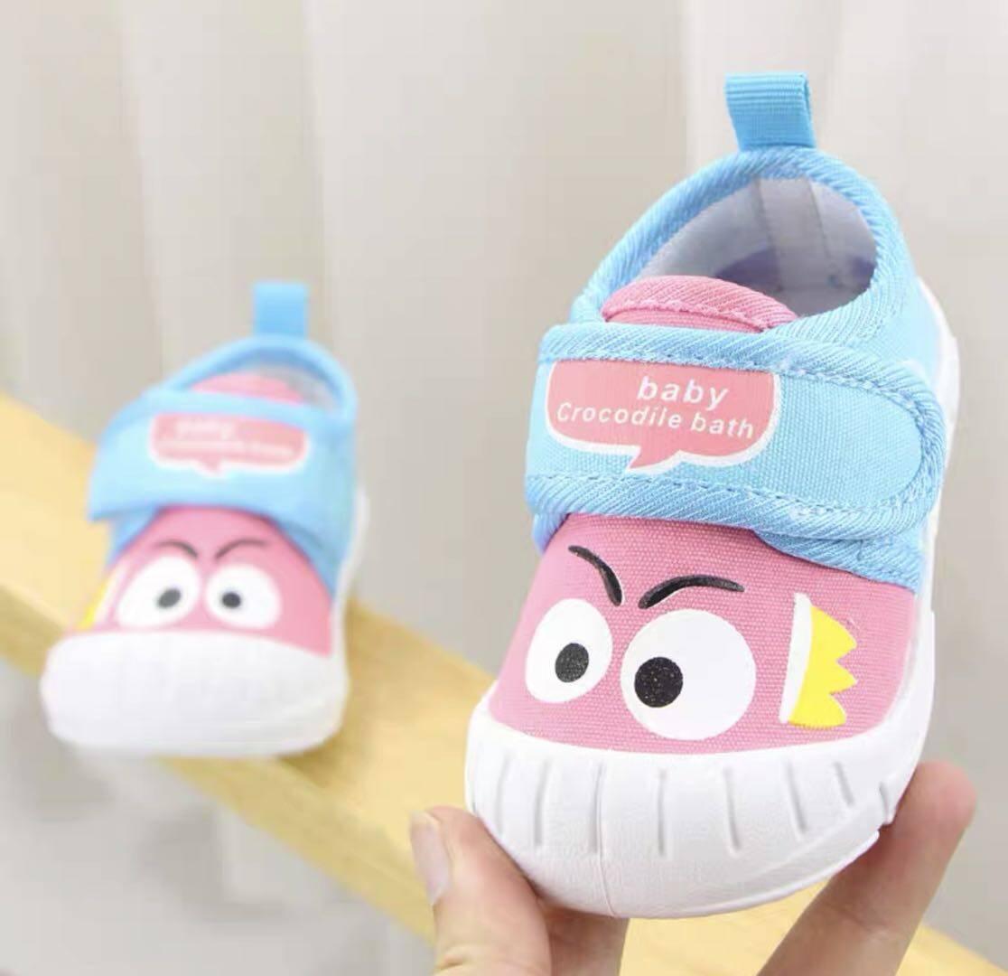 Baby Nong ใหม่ รองเท้าเด็กวัยหัดเดิน รองเท้าผ้าใบ รองเท้าเป่าโถวรองเท้าเด็กวัยหัดเดิน 1-3ขวบ