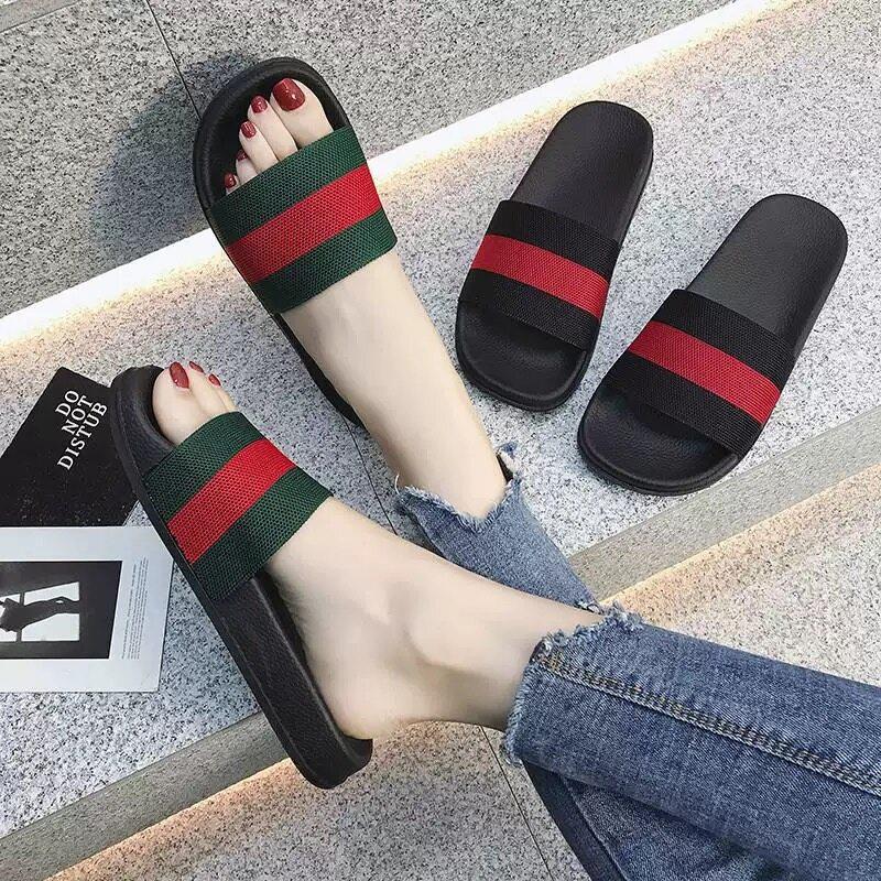 รองเท้าแตะของผู้หญิงมี2สี แฟชั่นใหม่รองเท้าแตะแบน สบาย ๆ กันลื่น.
