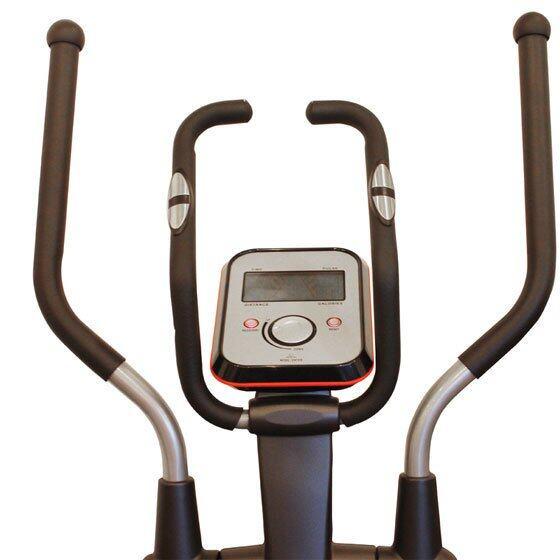 แฮนด์จับและที่วัดชีพจรของ Flow Step ถูกออกแบบมาอย่างดี จับกระชับ สบายมือ ตามหลักสรีระของร่างกาย พร้อมคุณสมบัติป้องกันเหงื่อ Sweat Proof