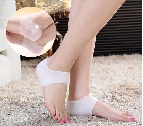ElegantB ซิลิโคนช่วยเรื่องส้นเท้าเเตก กันลื่น ซิลิโคนทางการแพทย์ ส้นเท้าแตก Heel socks  สุขภาพ ความงาม